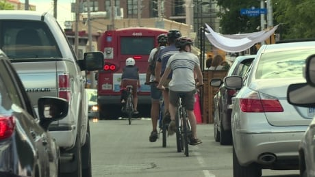 Cycling advocates call for B.C. to adopt Ontario's one-metre rule between cars, cyclists