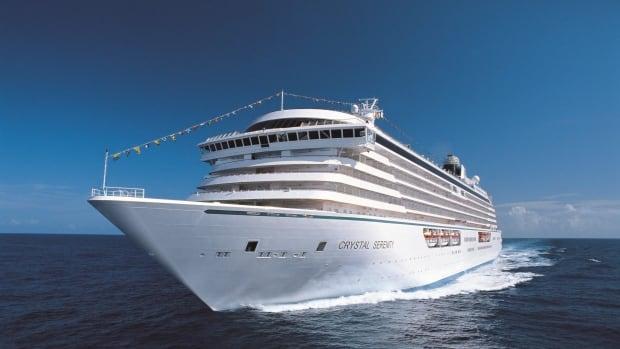 Arctic Cruise Ship 20160410