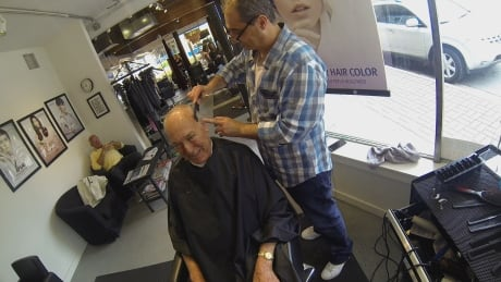 White Rock barber who lost shop in fire finds new home at swanky salon