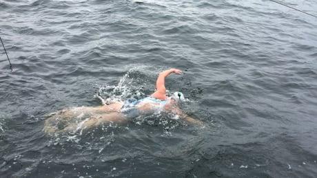 Peach-fuelled Vancouver swimmer Jessi Harewicz braving Georgia Strait