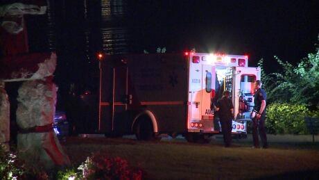 2 men in hospital after separate stabbings in Vancouver