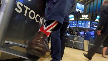 APTOPIX Financial Markets Wall Street Britain EU