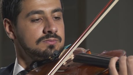 Syrian refugee revives musical career in Victoria