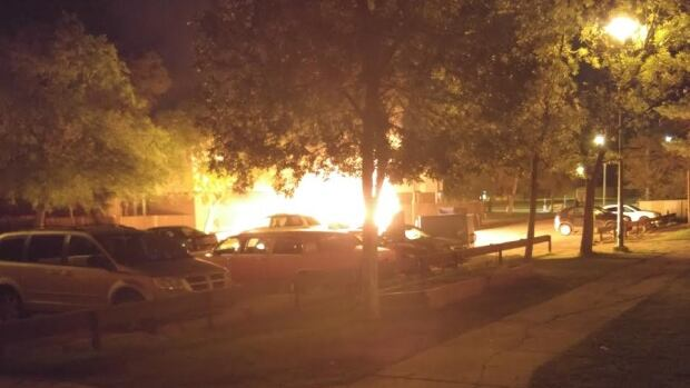 4 vehicles burn in suspicious parking lot fire in Winnipeg ...