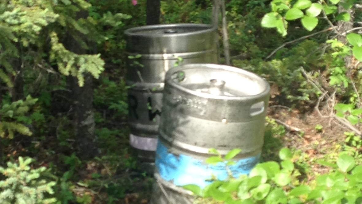 so long suds yellowknife 39 s stolen beer kegs located. Black Bedroom Furniture Sets. Home Design Ideas