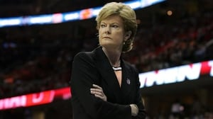 Pat Summitt remembered as 'a pioneer, a legend' by Canadian coaches