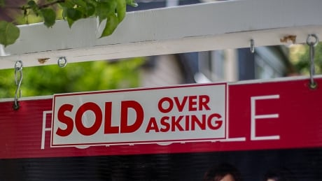 'Housing bubbles do not exist ... even in Vancouver,' say mortgage experts