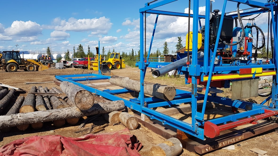 Colville Lake Buys Sawmill To Build Its Own Log Homes North Cbc News