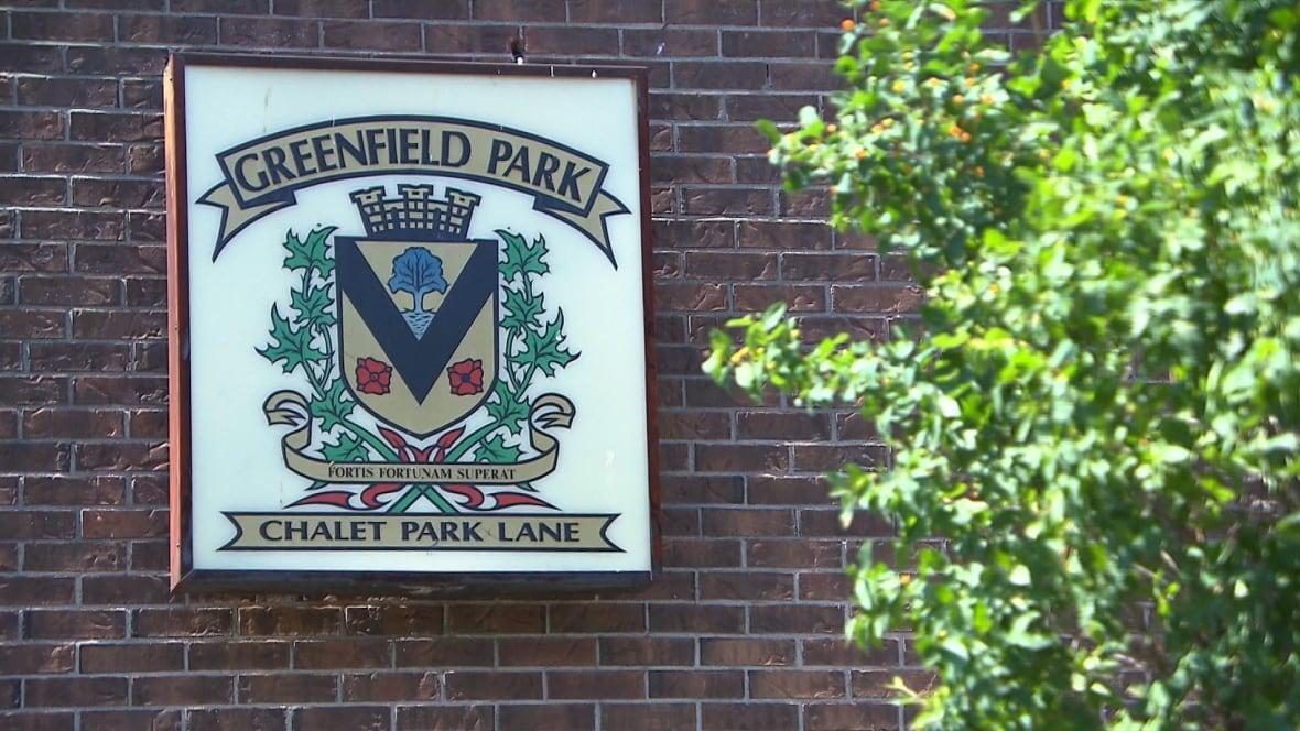 greenfield park men Best men's clothing in greenfield park, quebec l'equipeur, moores clothing for men, santos antonio, aubainerie greenfield park, le château, moores clothing for men.