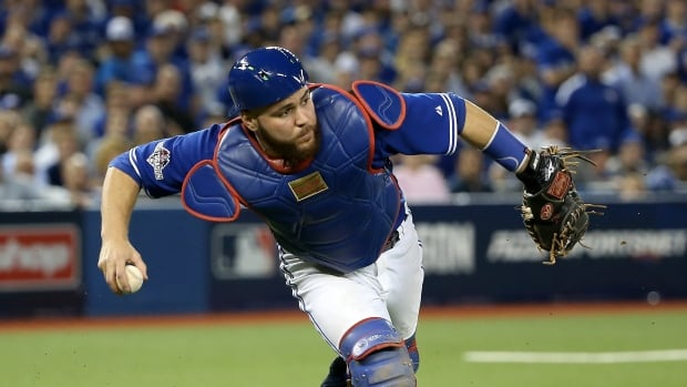 Jays Russell Martin Hurts Knee In Shower Mishap Cbc