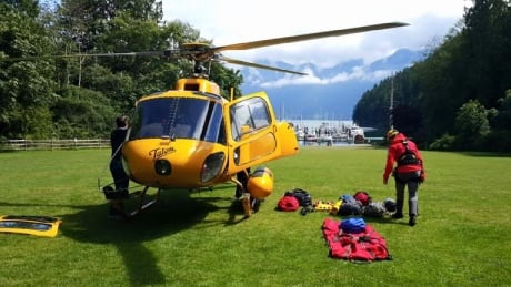Bowen Island cliff fall prompts long line rescue