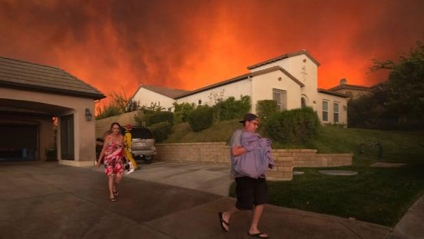 Santa Clarita, California Sand Fire — Residents Flee Homes — July 23, 2016