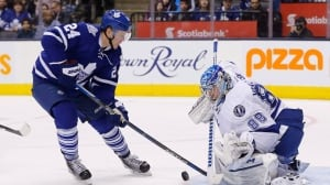 Maple Leafs sign Peter Holland to 1-year deal