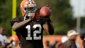 NFL notebook: Browns' Josh Gordon to miss 2 weeks of camp