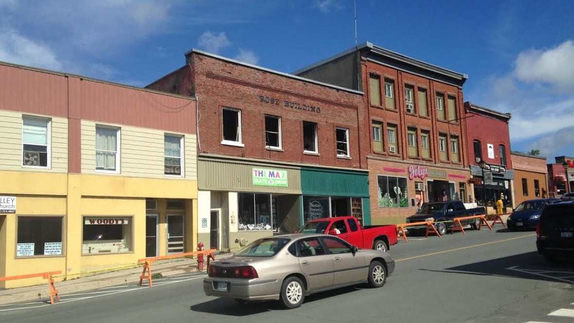 Woodstock waiting for report on historic building's condition after fire - CBC.ca