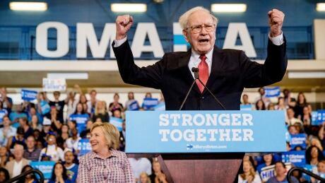 Warren Buffett challenges Donald Trump to show his tax returns