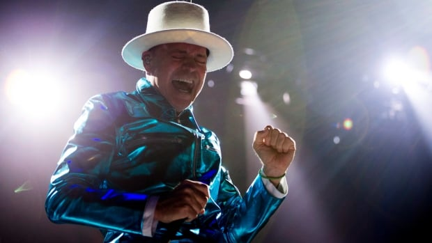 Tragically Hip kicks off first Toronto concert of farewell tour