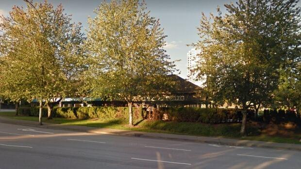 Teen girl dies of apparent drug overdose in Port Moody, BC, Starbucks