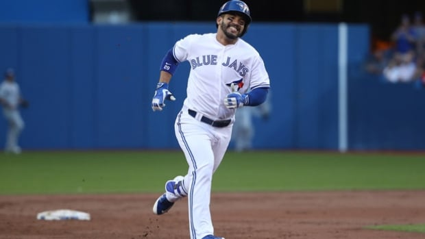 Red-hot Travis lifts Blue Jays over Rays