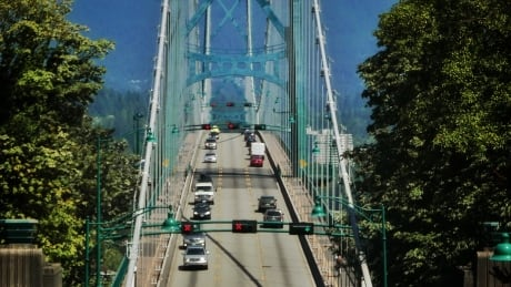 Lane closures planned on Lions Gate Bridge for paving work