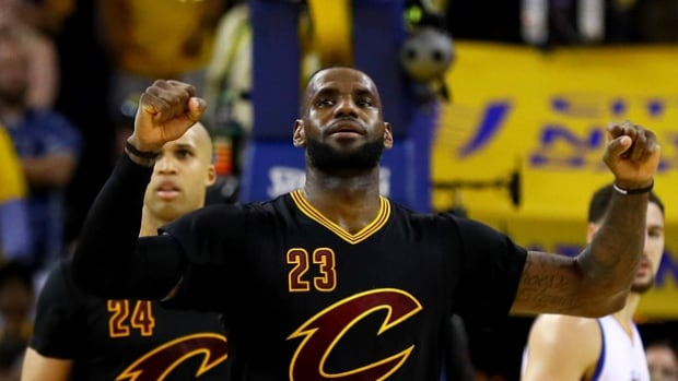 LeBron James agrees to 3-year, $100 million US contract ...