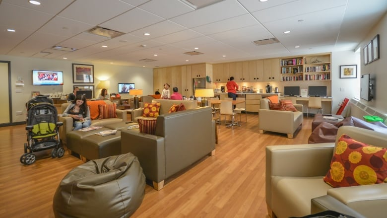 Ronald mcdonald charity sets up first family room in for Ronald mcdonald family room