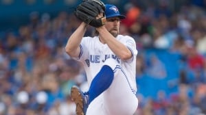 Dickey finds his groove as Jays take down Angels