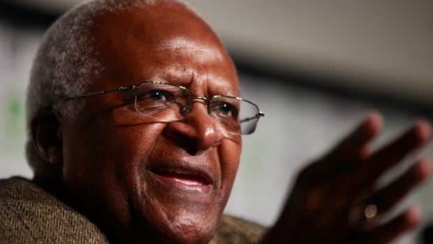South African Archbishop Desmond Tutu back in hospital