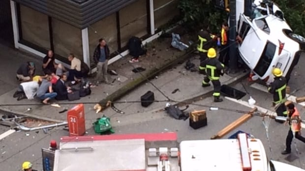 Two people killed in downtown Vancouver car crash
