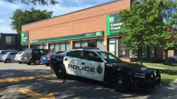 Man arrested for three Hamilton robberies