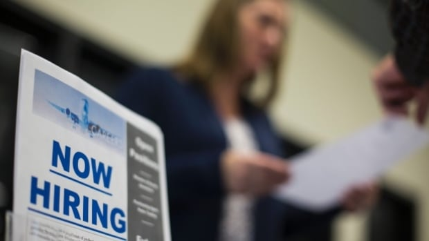 Canadian hiring bounces back, adds 26000 new jobs