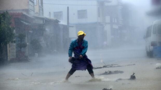 Typhoon Meranti: 2016's strongest storm hits Taiwan, moves towards China