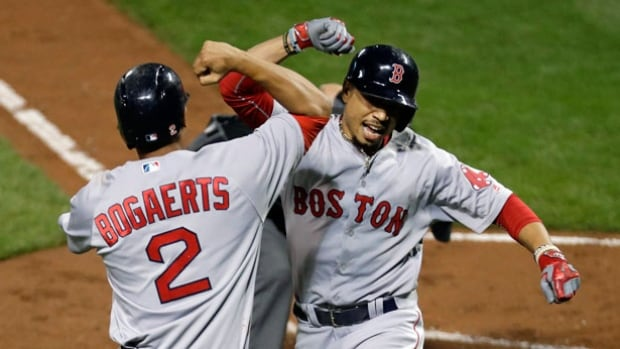 Porcello wins Major League-leading 21st in Sox's victory
