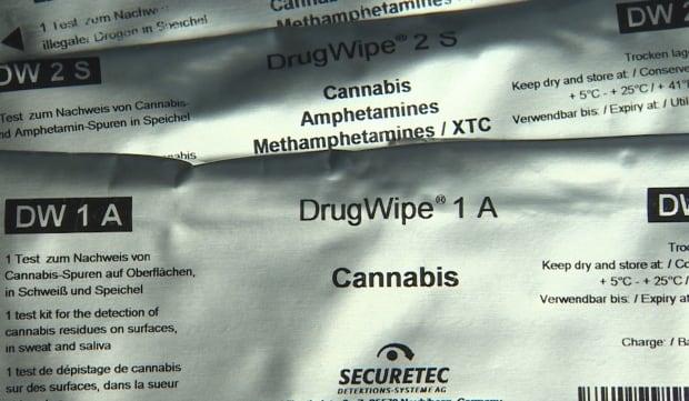 DrugWipe device