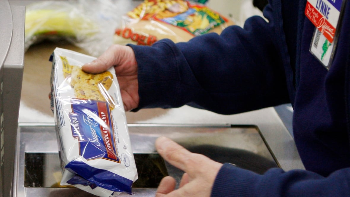 Visa expands 10 free grocery offer for shoppers hit by walmart s visa