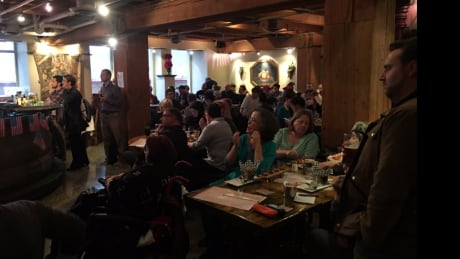 Americans abroad pack Vancouver pub to watch presidential debate