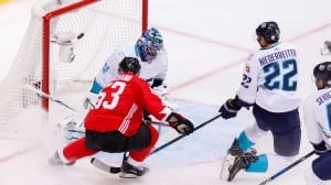 Crosby line leads Canada to Game 1 win over Europe
