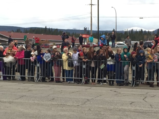 Whitehorse greets Duke and Duchess of Cambridge with tweets