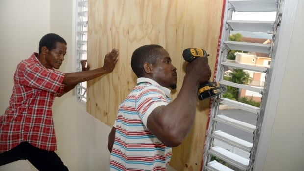 Powerful Hurricane Matthew threatens Haiti