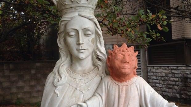 [Image: jesus-statue-head.JPG]