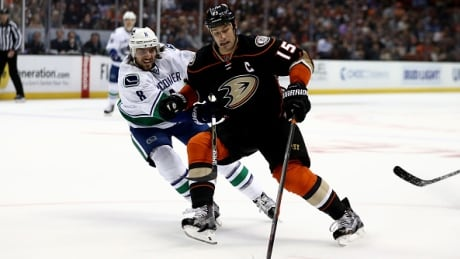 Canucks suffer 1st regulation loss of the season in Anaheim