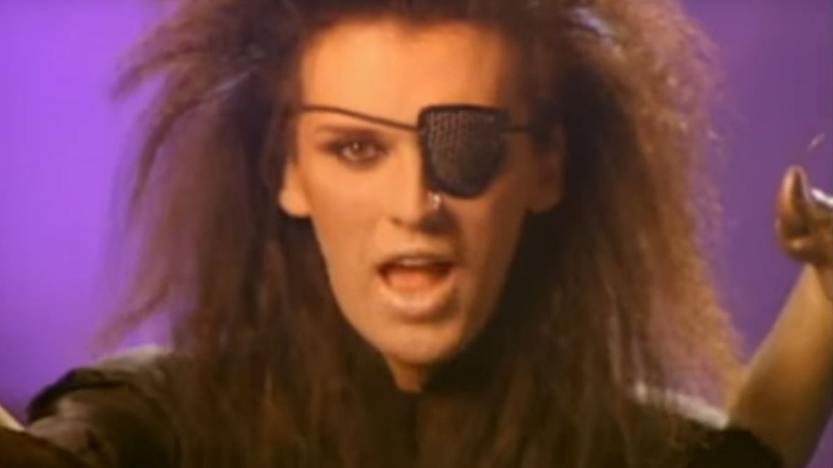 how tall is pete burns