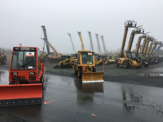 Heavy Equipment Boots : Unique auction heavy equipment to rubber boots on the