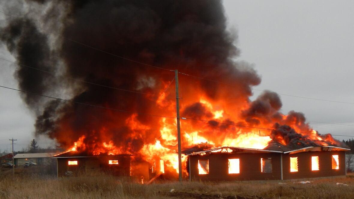 Island Lake Garden Hill Fire News