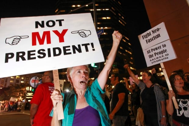 news minneapolis joins wave anti trump protests with thousands marching photos