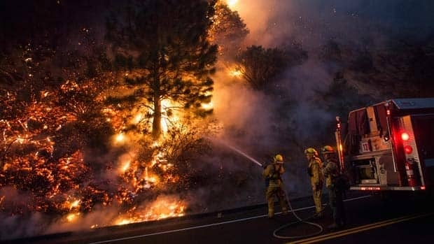 Strong wind spreads Yosemite Rim fire