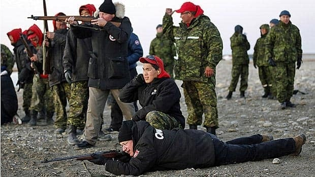Harper gets taste of Inuit culture