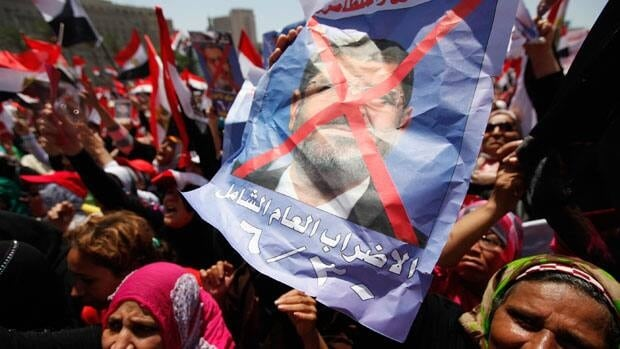 Tahrir Square protesters want recall