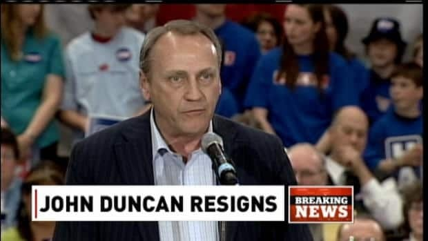 Duncan resigns from cabinet