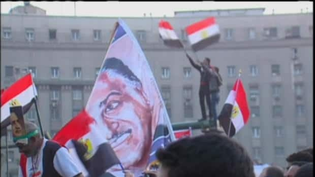 Egyptians' reluctant return